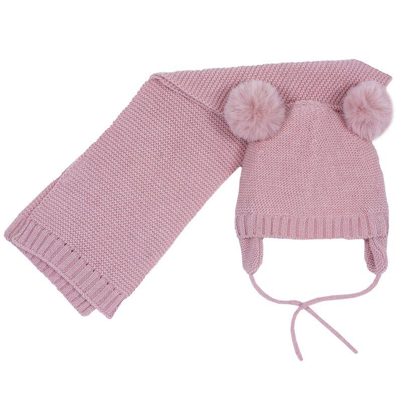 Set cappello con pon-pon e sciarpa