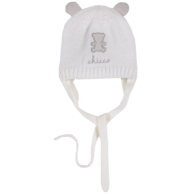 Cappello di tricot con orsetto